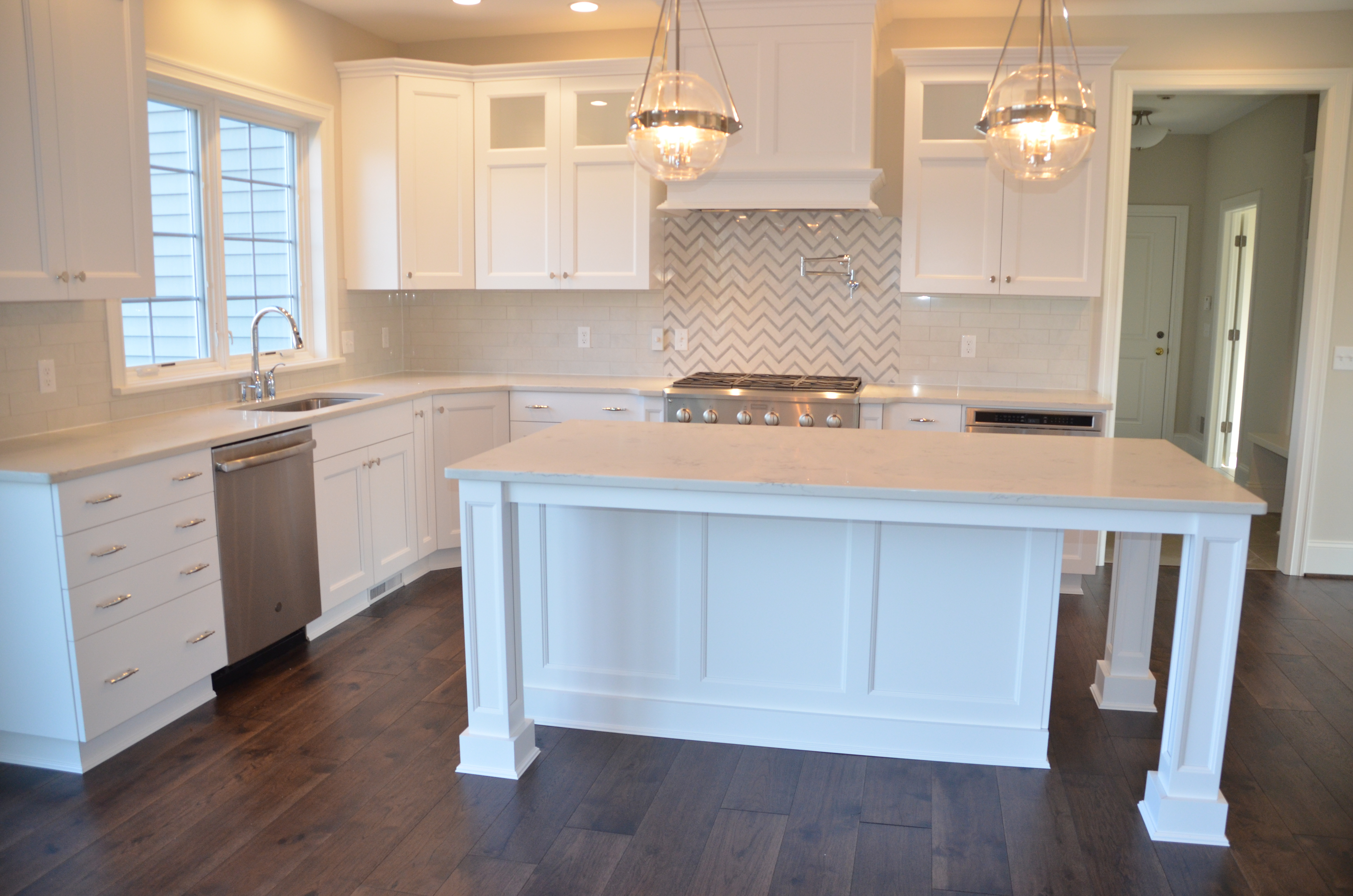 Coventry Ridge (Lot 77) Kitchen with Quartz Countertops